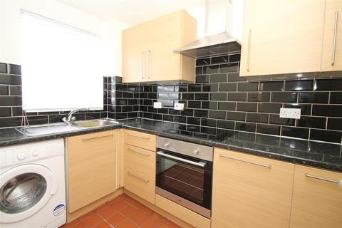 1 bedroom flat to rent - Cherry Blossom Close, Palmers Green, N13