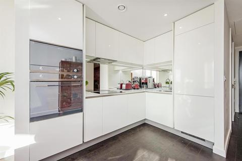 2 bedroom flat for sale - Sky Gardens, 155 Wandsworth Road, Nine Elms, London SW8