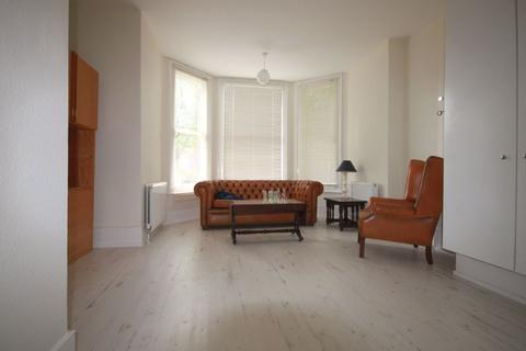 House share to rent - Room Let on Stapleton Hall Road, N4