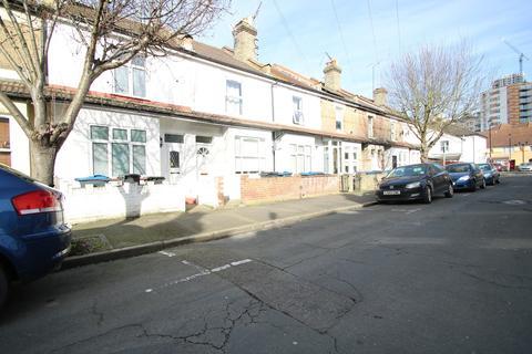 2 bedroom terraced house to rent - Fawcett Road, Croydon, CR0