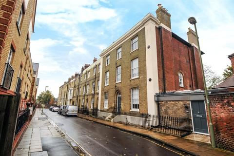 1 bedroom apartment to rent - Flat 2, 18 St PeterSt  Peter Street, Winchester, Hampshire, SO23