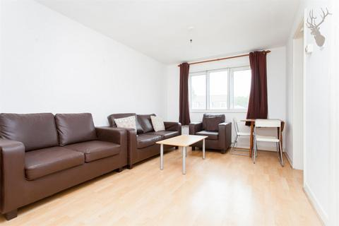 3 bedroom flat to rent - Bow Road, Bow, E3