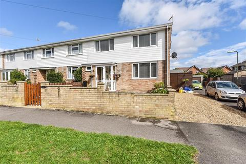 3 bedroom end of terrace house for sale - Armstrong Rise, Charlton, Andover