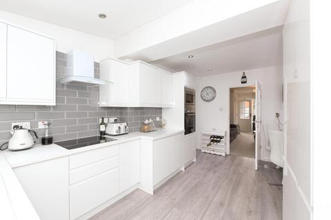 2 bedroom terraced house for sale - Buckland Road, Lower Kingswood, Tadworth