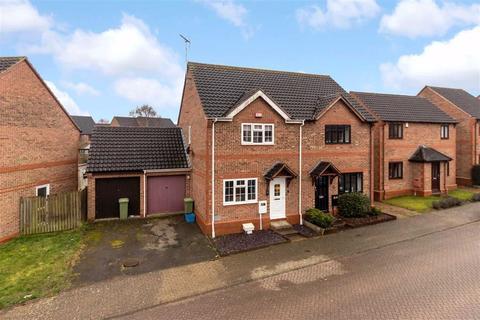 3 bedroom semi-detached house for sale - Redhuish Close, Furzton, Milton Keynes