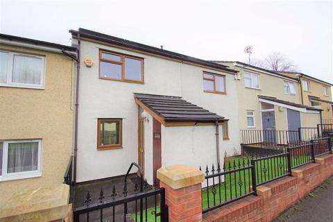 2 bedroom terraced house for sale - Servia Drive, LS7