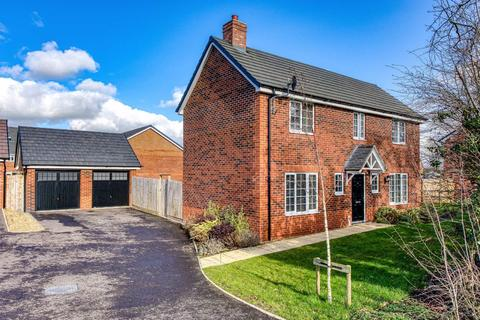 4 bedroom detached house for sale - 45, Sandy Lane, Codsall, Wolverhampton, WV8