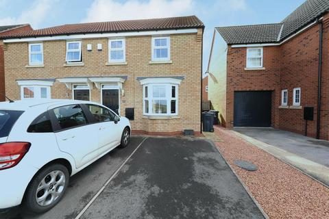 3 bedroom semi-detached house for sale - Elthorne Park, Kingswood, Hull