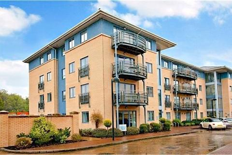 2 bedroom penthouse to rent - Admiral House, Castle Quay Close