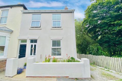 3 bedroom house for sale - Cliff Road, Hornsea