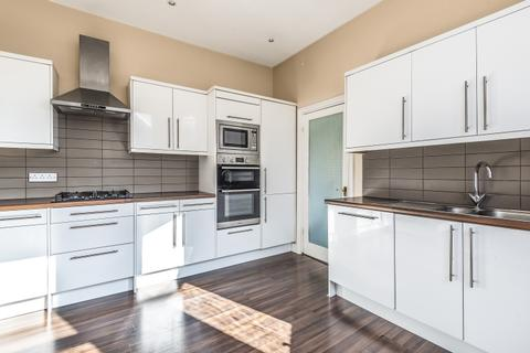2 bedroom apartment to rent - Archway Road London N6