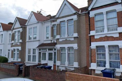 4 bedroom semi-detached house to rent - Northcote Avenue, Southall, UB1