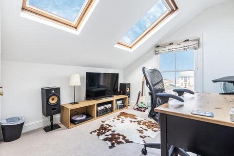 2 bedroom flat for sale - Glycena Road, Battersea