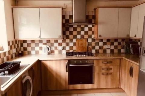 4 bedroom house share to rent - Brookdale Road