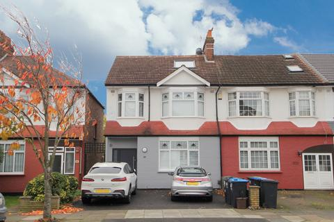 4 bedroom end of terrace house for sale - Ridge Road, London, N21