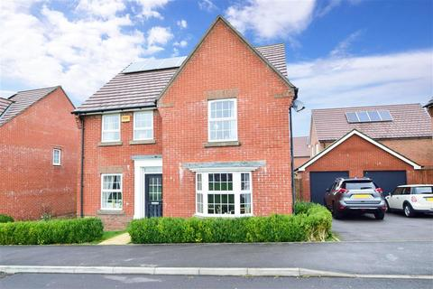 4 bedroom detached house for sale - Endal Way, Clanfield, Hampshire