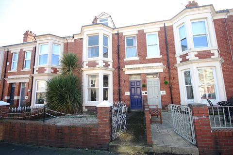 6 bedroom terraced house for sale - Park Parade, Whitley Bay, Tyne & Wear, NE26 1DT