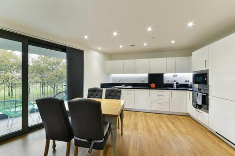 2 bedroom apartment for sale - Kingfisher Heights, Bramwell Way, Royal Wharf, E16