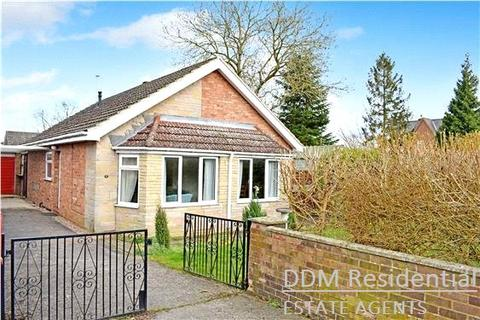 2 bedroom detached bungalow to rent - Walkeringham Road, Beckingham, DN10