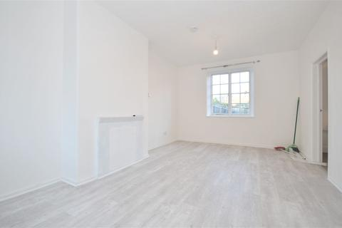 3 bedroom terraced house to rent - Heathstan Road, Shepherds Bush W12 0RG