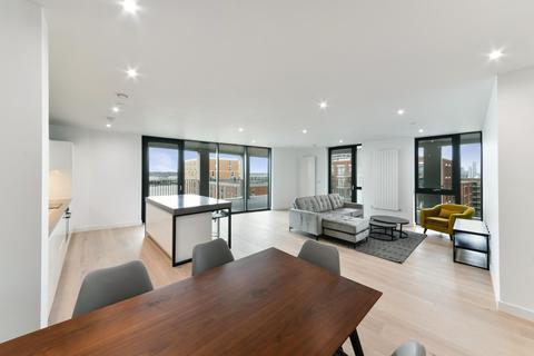 3 bedroom apartment to rent - Pinnacle House, Royal Wharf, London, E16