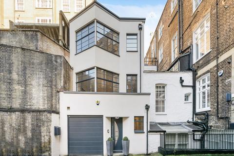 3 bedroom terraced house to rent - Wyndham Yard, Marylebone, London, W1H