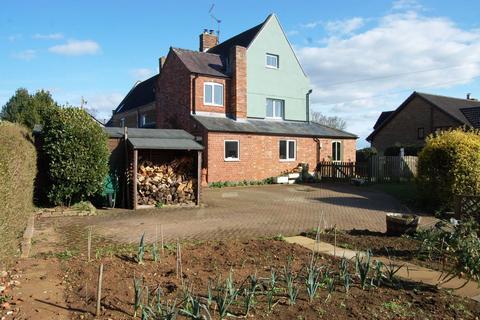 3 bedroom end of terrace house for sale - Church Lane, East Haddon, Northampton NN6 8DB