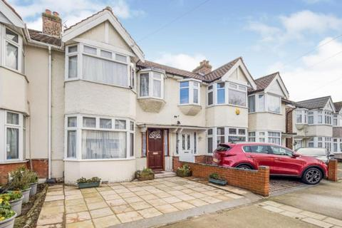 4 bedroom terraced house for sale - Gloucester Road, Romford, Essex, RM1