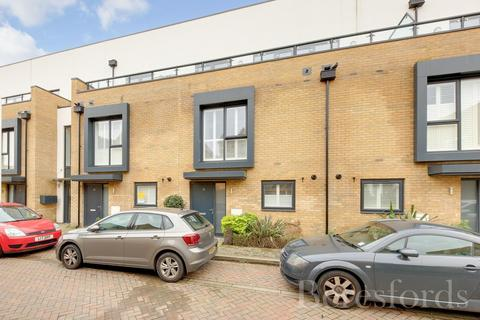 3 bedroom terraced house for sale - Charlock Close, Romford, Essex, RM3