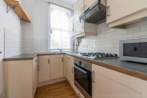 3 bedroom flat to rent - Dartmouth Road, Forest Hill, London, SE26 4RQ