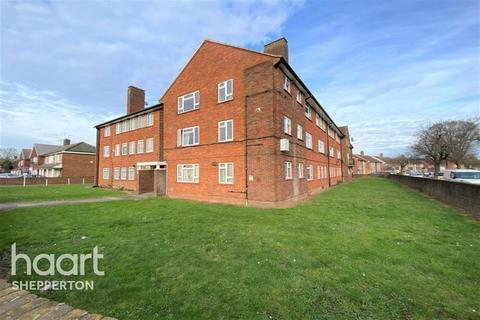 3 bedroom flat to rent - Convent Road, Ashford