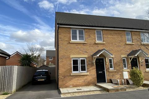 3 bedroom semi-detached house to rent - Spinners Road, Brockworth