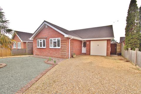 2 bedroom bungalow for sale - Lavender Close, Verwood, BH31