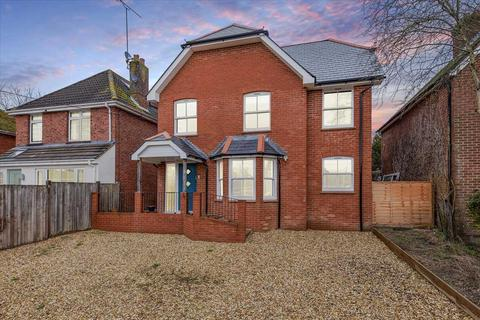 4 bedroom detached house for sale - Dene Path, Andover, Andover