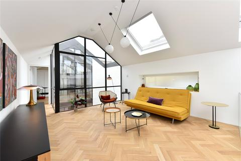 3 bedroom mews for sale - Bow Common Lane, London, E3