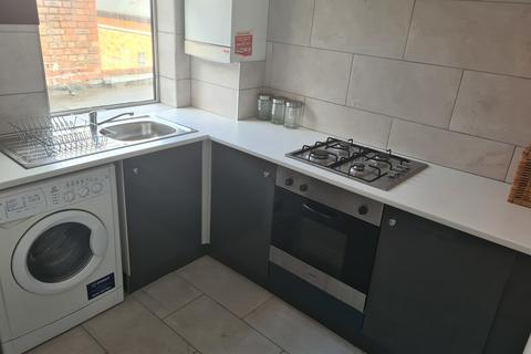 3 bedroom apartment to rent - Barlow Moor Road, Chorlton