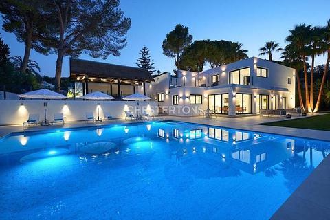 5 bedroom house - Nueva Andalucia, Province of Malaga, Spain