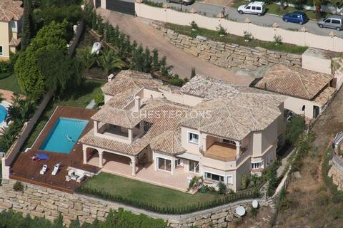 5 bedroom house - El Paraiso, Province of Malaga, Spain