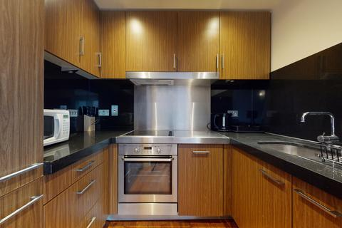 1 bedroom flat to rent - New Providence Wharf, 1 Fairmont Avenue, London