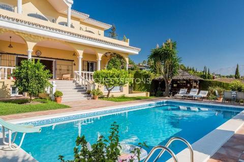 6 bedroom house - Estepona, Malaga, Province of Malaga, Spain