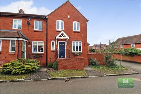 3 bedroom townhouse for sale - Hallams Close, Brandon