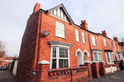 3 bedroom end of terrace house to rent - Cecil Street,