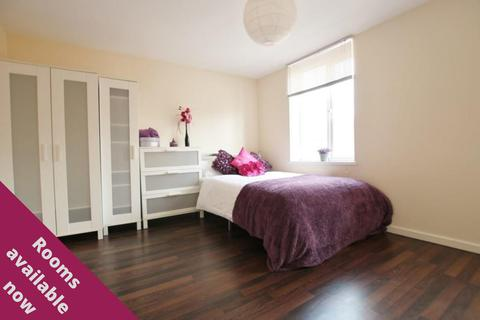 1 bedroom in a house share to rent - Maine Road, Rusholme, Manchester