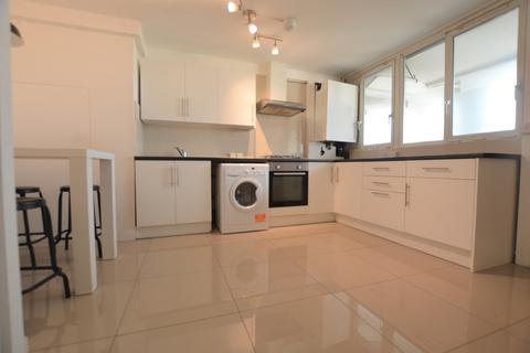 4 bedroom flat to rent - Mallory Street, London