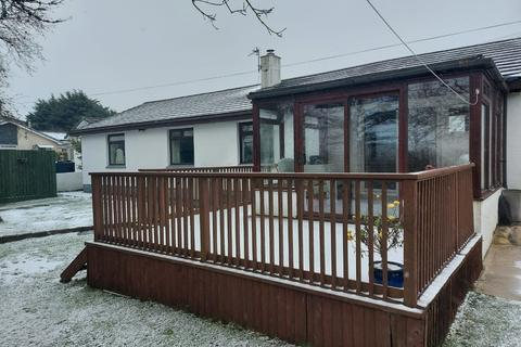 3 bedroom detached bungalow to rent - Dolcoath Close