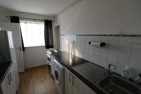 3 bedroom maisonette to rent - Cove Road, Farnborough, Hampshire, GU14