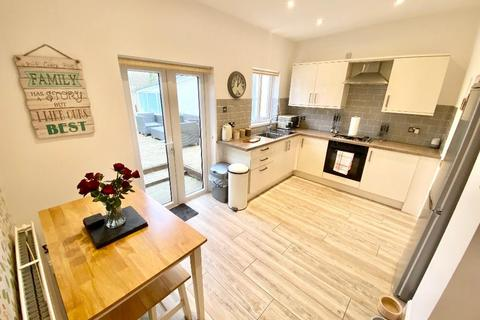 3 bedroom terraced house for sale - Station Road, Hirwaun, Aberdare, CF44 9TA