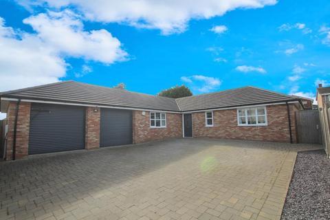3 bedroom detached bungalow for sale - Chapel Road, Flitwick, Bedfordshire, MK45 1EA