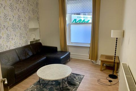 2 bedroom flat to rent - Provost Road, Dundee,