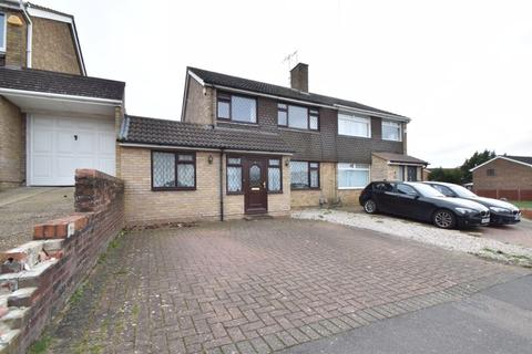 3 bedroom semi-detached house for sale - Handcross Road, Luton